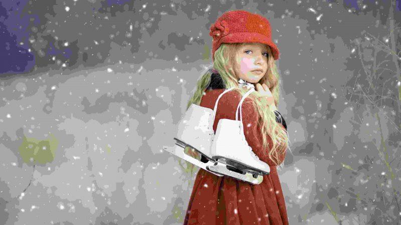 Lovely Little Girl Wallpaper